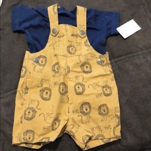 NWT Carter's 3M two piece overalls.